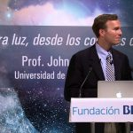 Conferencia-del-profesor-John-M.-Kovac-de-la-Universidad-de-Harvard