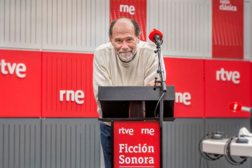 Joaquin Notario. Radio Nacional estrena la ficción sonora 'Los santos inocentes', de Miguel Delibes, en colaboración con la Fundación BBVA
